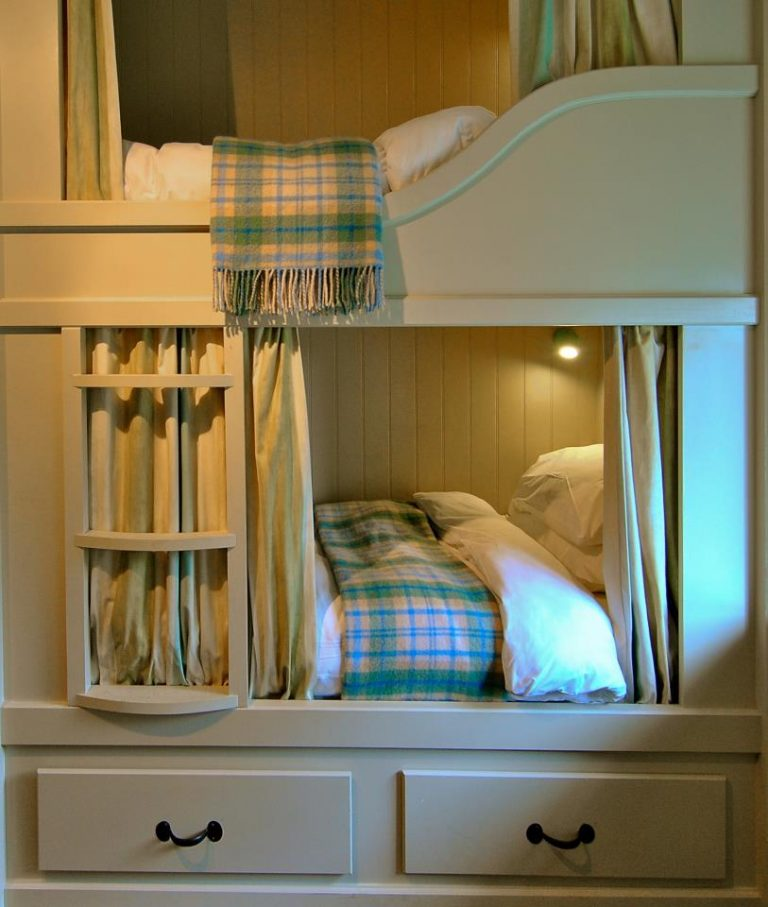 Room 11 two bunks